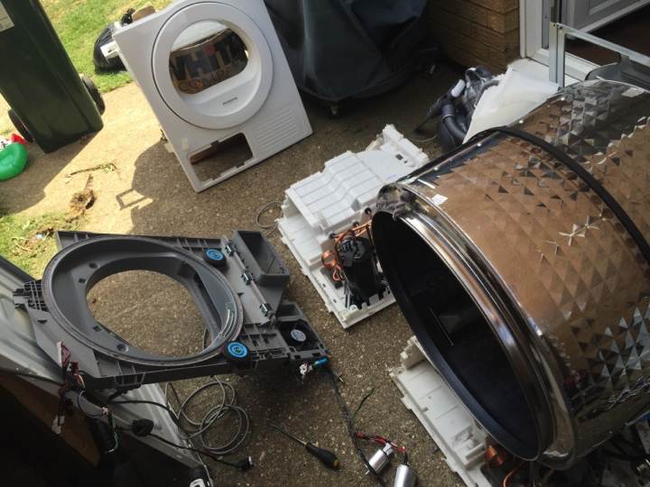 Inside a Samsung heat pump dryer
